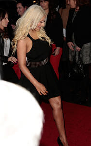 [Fotos+Videos] Christina Aguilera en la Premier de la 4ta Temporada de The Voice 2013 - Página 4 Th_986118925_Christina_Aguilera_79_122_471lo