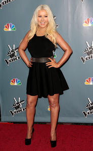 [Fotos+Videos] Christina Aguilera en la Premier de la 4ta Temporada de The Voice 2013 - Página 4 Th_985989385_Christina_Aguilera_54_122_363lo