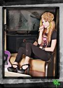 Abbey Dawn: (Linea de ropa de Avril) Th_341974935_03745_122_400lo