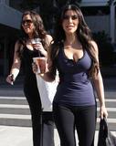 Kim Kardashian, Cleavy, Candids a Los Angeles, 06.01.2010 Th_17339__Everly_Kardashian_Ladies_9_122_404lo