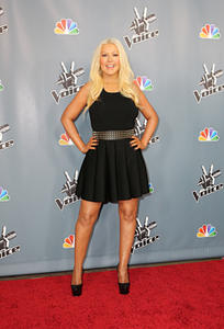 [Fotos+Videos] Christina Aguilera en la Premier de la 4ta Temporada de The Voice 2013 - Página 4 Th_986023413_Christina_Aguilera_61_122_764lo