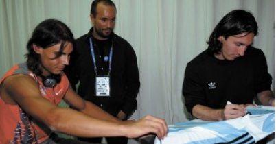 Photos et vidéos de Rafael Nadal - Page 2 Emd01ft4-306259