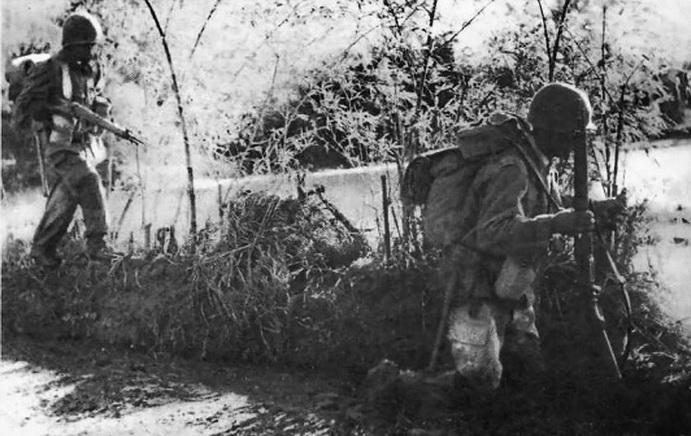 scènes de combat Sur-la-rc4-4d37d3