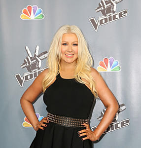 [Fotos+Videos] Christina Aguilera en la Premier de la 4ta Temporada de The Voice 2013 - Página 4 Th_985811474_Christina_Aguilera_22_122_686lo