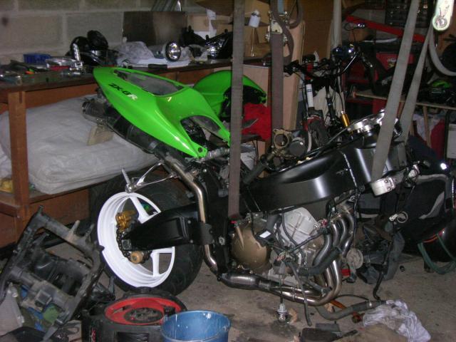 Voici ma moto dans sa nouvelle robe Dscn5240-414b6a