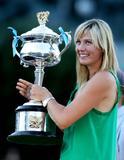 Les plus belles photos et vidéos de Maria Sharapova Th_44086_Offcourt_At_The_Australian_Open_2008_03_123_592lo