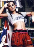 Calendarios de Girls Aloud/Cheryl/Sarah Th_01042_Cheryl___Official_2013_Calendar___08___August___Large__snoop__122_409lo