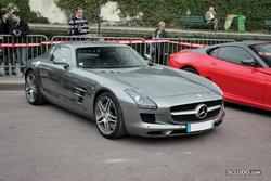 RALLYE DE PARIS 2011, les photos et comptes rendus!!!! - Page 4 Th_089960162_017_MercedesSLSAMG_122_9lo