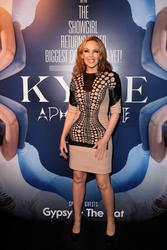 Kylie Minogue >> Noticias y rumores - Página 3 Th_447016618_cf746f27_115279092_8p_122_32lo