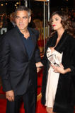 elisabetta - Elisabetta Canalis- Cleavage,'The Men Who Stare At Goats' Premiere, Londra, 15ott09 *ADDS HQ* Th_76283_Elisabetta_Canalis_Premiere_of_The_Men_Who_Stare_at_Goats_London_151009_013_122_414lo