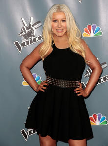 [Fotos+Videos] Christina Aguilera en la Premier de la 4ta Temporada de The Voice 2013 - Página 4 Th_398588247_Christina_Aguilera_35_122_426lo