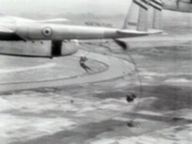 C 119 avion de transprt américain de la 2e guerre 901_c119-paradbp-b4d480