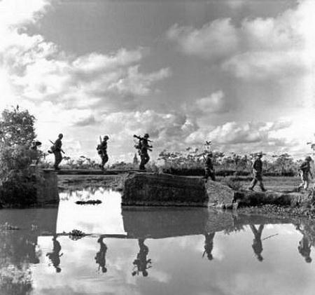 scènes de combat L-gion-indo-7-4903e3