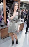 Kim Kardashian, Cleavy, ShoeDazzle at Century City Shopping Mall, 29gennaio2010 Th_15414_kk2_122_518lo