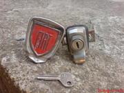 K: Ručicu zadnje haube - ručica nađena, tražim prednji i stražnji branik Th_546757198_DSC09901_122_530lo