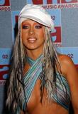 [Fotos] Christina - MTV Video Music Awards 2002. Th_82676_mtvvmas_2002_photcall_1096081229_123_557lo