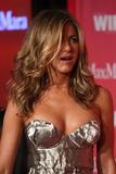 Jennifer Aniston - Minigonnissima & Cleavage/One -Women In Film Crystal And Lucy Awards- 12 giu 09 Th_77651_Jennifer_2165_122_560lo
