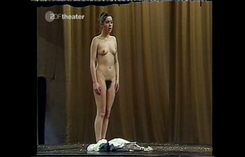 Celebrity Content - Naked On Stage - Page 4 1dle47gijqfk