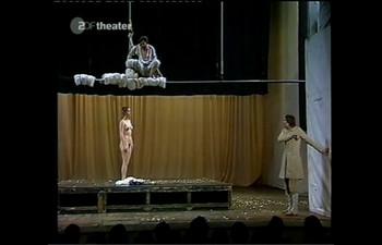 Celebrity Content - Naked On Stage - Page 4 Hj598yle17li