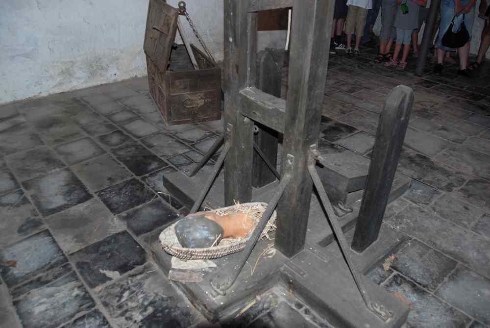 La guillotine de la Citadelle de Dinant - Belgique Guillotine_dinant_2-11ddc4f