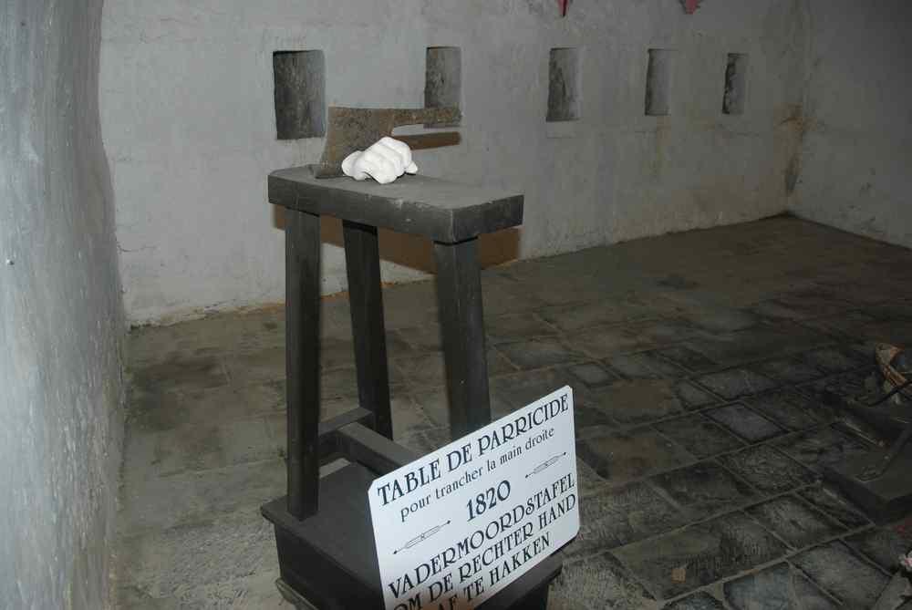 La guillotine de la Citadelle de Dinant - Belgique Guillotine_dinant_5-11ddca8