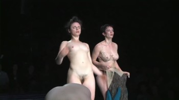 Celebrity Content - Naked On Stage - Page 4 F4yn6yy6gral