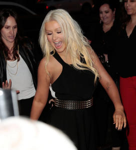 [Fotos+Videos] Christina Aguilera en la Premier de la 4ta Temporada de The Voice 2013 - Página 4 Th_986096677_Christina_Aguilera_74_122_375lo