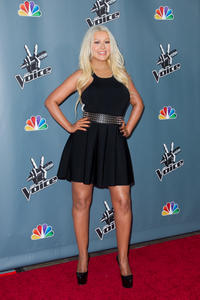 [Fotos+Videos] Christina Aguilera en la Premier de la 4ta Temporada de The Voice 2013 - Página 4 Th_985953641_Christina_Aguilera_47_122_187lo