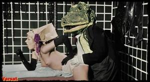Gisele Lindley & Susan Tyrrell in Forbidden Zone (1980) Ax59a729bsa7