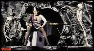 Gisele Lindley & Susan Tyrrell in Forbidden Zone (1980) Ftw8uu3kvmxk
