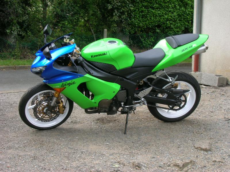 Voici ma moto dans sa nouvelle robe Dscn5243-4214ac