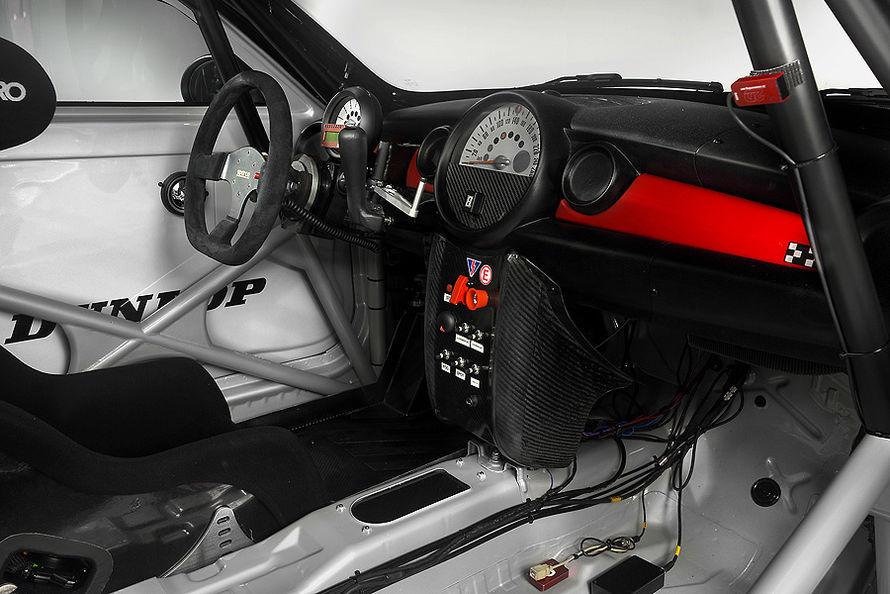 MINI Coupe race car... 06-11-Mini-Coup-JCW-Endurance-c890x594-ffffff-C-f743e9af-503427