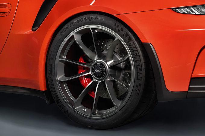 2011 - [Porsche] 911 [991] - Page 9 Porsche-911-GT3-RS-fotoshowImage-e1013122-848046