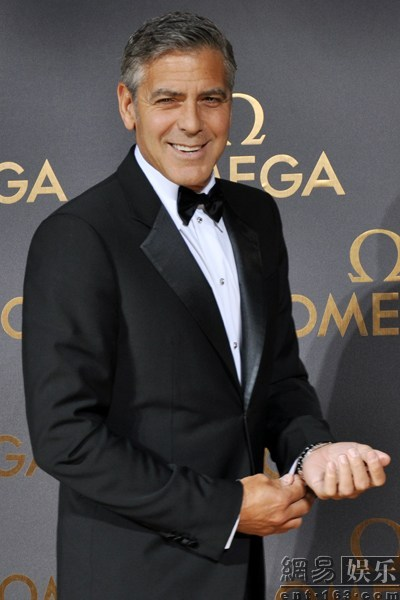George Clooney expected in Shanghai on 16 May 2014 for Omega celebration - Page 4 900x600_9SDKEP2000AJ0003