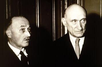 La première Guerre mondiale et la formidable idée d'Europe selon les Jésuites et l'oligarchie mondialiste Partie  1 1 356px-Monnet_schuman
