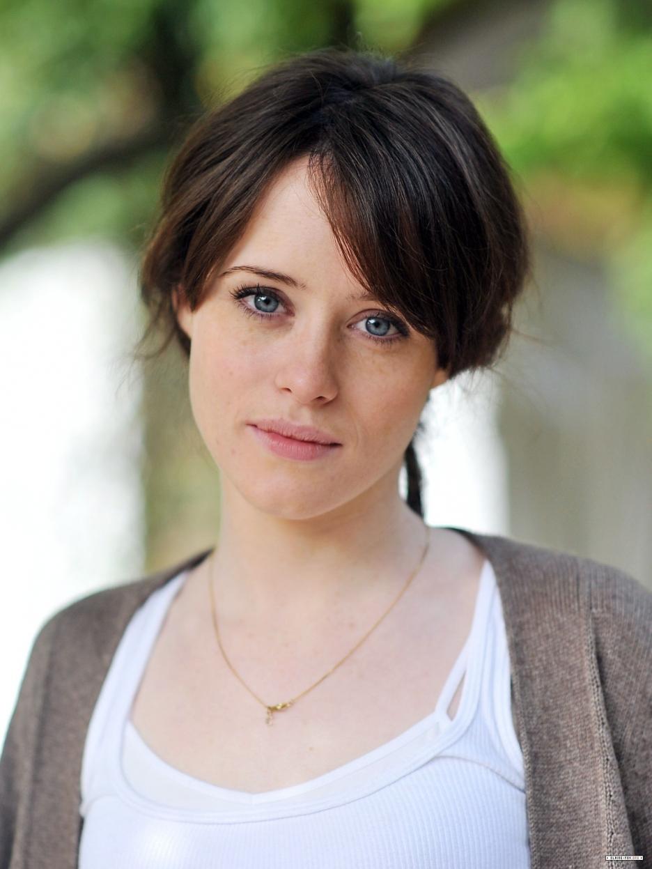 Claire Foy Sonya