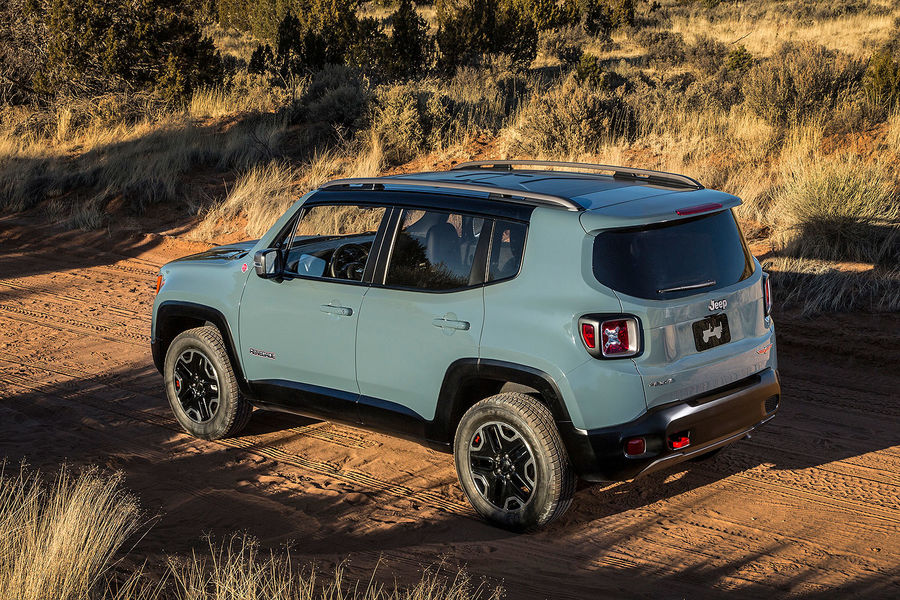 2014 - [Jeep] Renegade - Page 7 02-2014-Jeep-Renegade-Trailhawk-fotoshowBigImage-c42f9988-757639