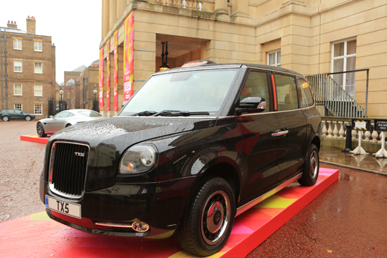 Il Taxi Londinese, si aggiornerà 201510221155553d120