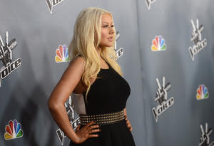 [Fotos+Videos] Christina Aguilera en la Premier de la 4ta Temporada de The Voice 2013 - Página 4 Th_985726743_Christina_Aguilera_05_122_480lo
