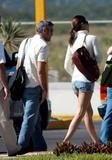 elisabetta - Elisabetta Canalis, MicroShorts, Fine delle Vacanze in Messico, 30.11.09 *ADDS HQ* Th_38472_Elisabetta_Canalis_Leaving_Los_Cabos-Mexico_301109_007_122_110lo