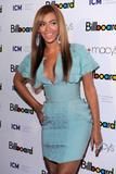 Beyonce -Cleavage, Billboard's 4th Annual Women In Music, New York, 02ott09 Th_30404_Beyonce_Billboard31s_4th_Annual_Women_In_Music_NYC_021009_011_122_126lo