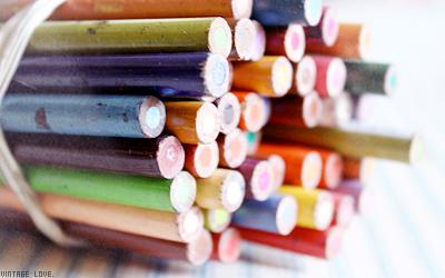 Weekly meeting Bann-crayons-1ed71f5
