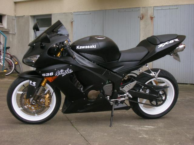 Voici ma moto dans sa nouvelle robe Dscn5489-647bf5