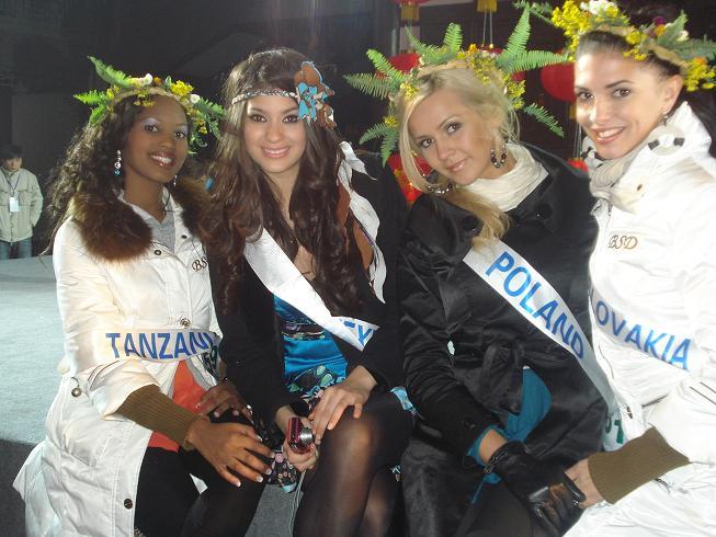 Sona Skoncova - Miss Slovak Republic International 2009 (Official Thread) - Page 4 5-15958fb