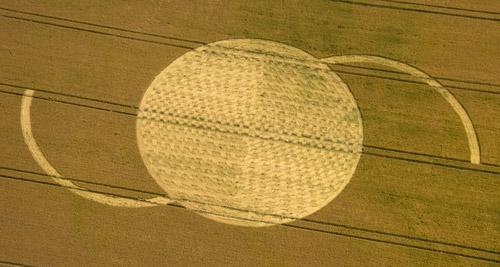 Crop circle de East Field, Nr Alton Barnes, Wiltshire. Le 14.07.09 Gb795a-10e4714