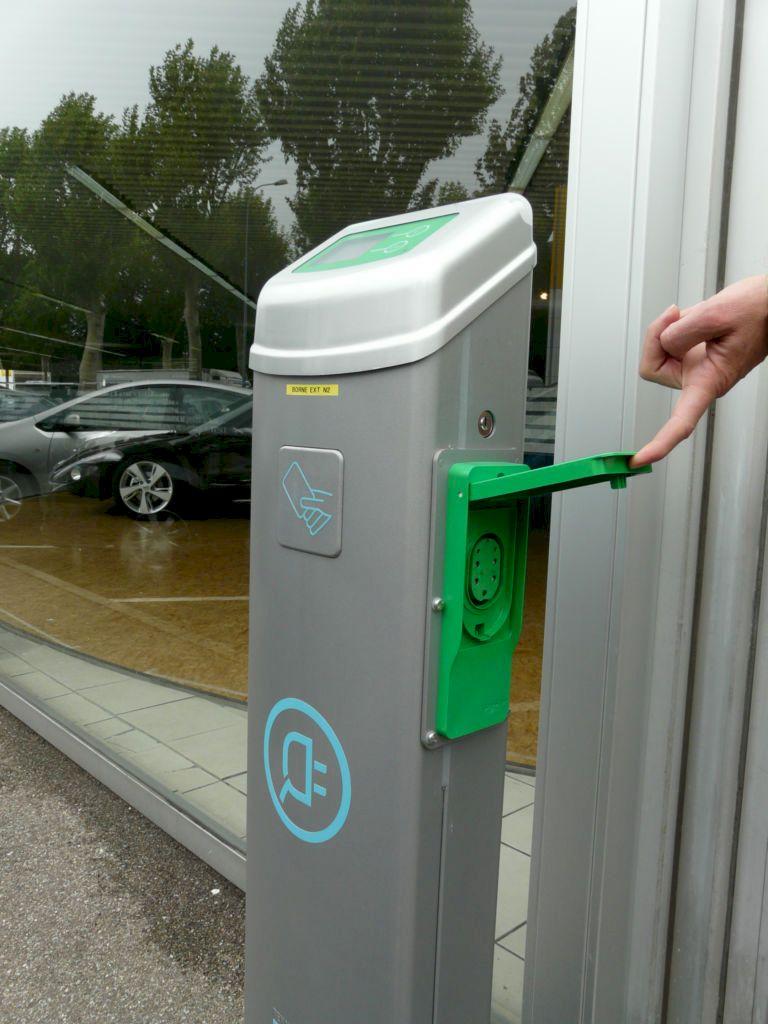 Borne de recharge rapide secteur Mulhouse Colmar Selestat accessible le dimanche HWTMH