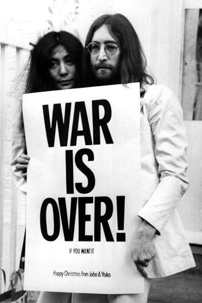 Vidéo Happy Chritmas (War Is Over) 18655579