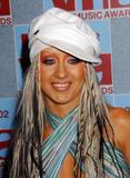 [Fotos] Christina - MTV Video Music Awards 2002. Th_82672_mtvvmas_2002_photcall_1096081221_123_96lo