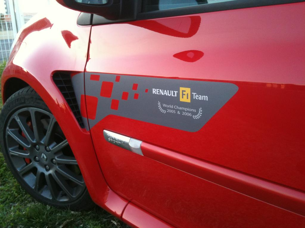 Vends Sticker Renault Replica - Stripping - et autres modeles  Img_0715-2644bc1