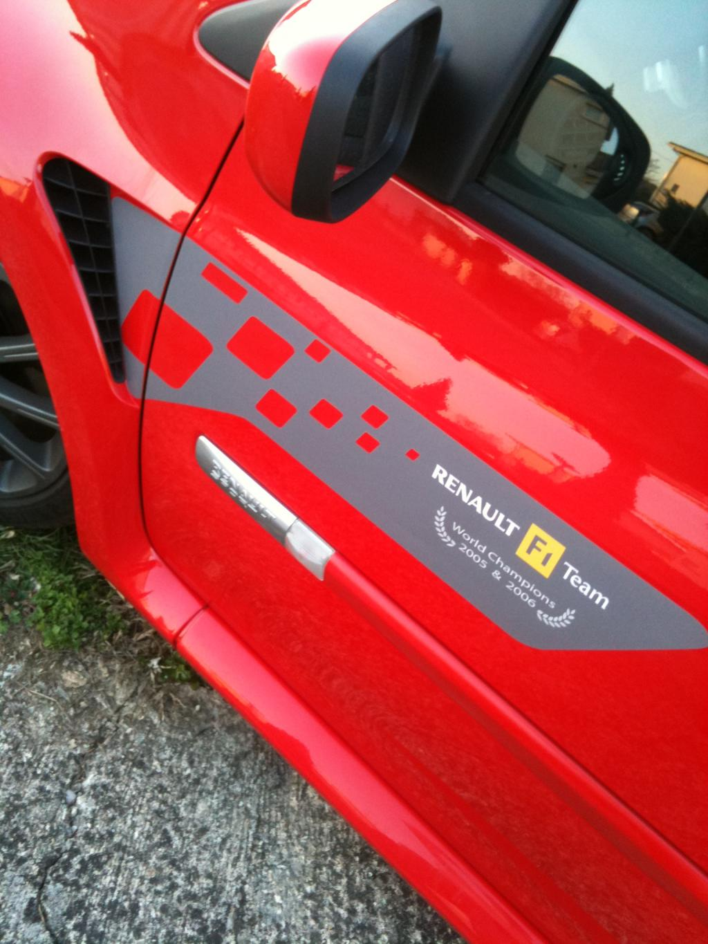 Vends Sticker Renault Replica - Stripping - et autres modeles  Img_0714-2644be9